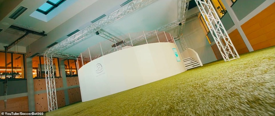 soccerbot3605.jpg